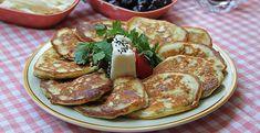 Sabah kahvaltıları için hazırlayabileceğiniz enfes bir tarifimiz var! Karşınızda: Kahvaltılık peynirli pancake tarifi. Mutfağa buyurun. French Toast, Breakfast, Food, Morning Coffee, Meals, Yemek, Eten