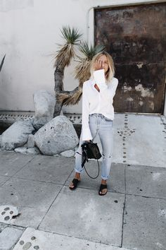 Denim | Jeans | Summer | White blouse | Brown skin | More on Fashionchick.nl