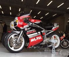 Suzuki Gsx R, Suzuki Bikes, Custom Street Bikes, Custom Motorcycles, Cars And Motorcycles, Gsxr 750, Hot Bikes, Ducati, Honda