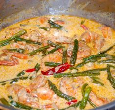 Kadu Uhang (Chamorro Shrimp in Coconut Milk). alternate: http://www.annieschamorrokitchen.com/shrimp-kadu/