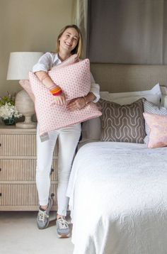 6 Interiors Tips From Hedgeroe's Rebecca Roe Industrial Style, Bed Pillows, Pillow Cases, Cool Style, Interiors, Blanket, Interior Design, Bedroom, Chic