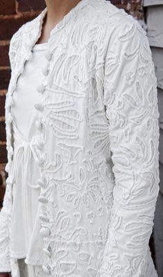 Anna's Swing Coat. Hand-embroidered swing coat in 100% cotton jersey. Embroidered couching technique. #Bridal_coat / Alabama Chanin