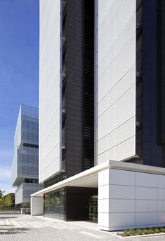 Edificio de oficinas en Pegaso City. allende arquitectos. Madrid 2011. LEED Gold Core & Shell