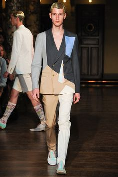 See all the Collection photos from Walter Van Beirendonck Spring/Summer 2014 Menswear now on British Vogue Latest Mens Fashion, Fashion Mode, Runway Fashion, High Fashion, Fashion Show, Fashion Looks, Fashion Design, Paris Fashion, Fashion Ideas
