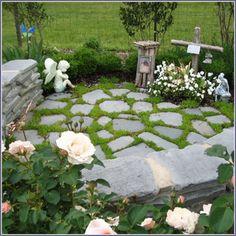 Decorate, Grow & Beautify: Small Garden Spaces - Getting a focal point Small Space Gardening, Garden Spaces, Small Gardens, Outdoor Gardens, Prayer Garden, Meditation Garden, Garden Shrubs, Garden Landscaping, Serenity Garden