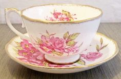 Vintage tea cup, bone china in a pink floral pattern, made by Rosyln China England. Tea Party Setting, Vintage Tea, High Tea, Bone China, Tea Time, Tea Cups, Unique Jewelry, Tableware, Handmade Gifts