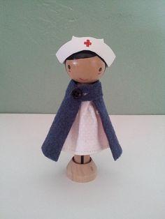 Nurse Clothespin Doll by LittleBun Clothes Pin Ornaments, Clothespin Art, Wood Peg Dolls, Clothes Pegs, Kegel, Tiny Dolls, Wooden Pegs, Little Doll, Waldorf Dolls