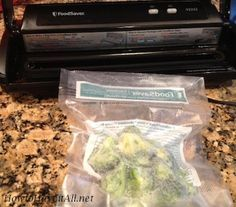 Most current Images Foodsaver Freezing Tip Concepts Just about the most crucial difficulties in the kitchen space will be food safe-keeping methods. Freezer Cooking, Freezer Meals, No Cook Meals, Cooking Tips, Food Saver Vacuum Sealer, Dehydrator Recipes, Food Storage, Storage Area, Kitchen Storage