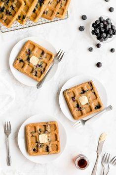 108 c 1 f for one waffleEasy Healthy Clean Eating Homemade Greek Yogurt Blueberry Waffles Healthy Oatmeal Recipes, Healthy Muffin Recipes, Healthy Dessert Recipes, Desserts, Healthy Cookies, Healthy Sweets, Healthy Baking, Almond Recipes, Baking Recipes