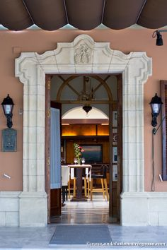 El Faro de El Puerto, recommended by the Michelin guide, is a true find and offers incredible value for money. #ElFaroDeElPuerto #Andalusia #visitAndalusia #visitSpain #ElPuertoDeSantaMaria #travelblog #travelphotography #foodietravels #foodblog  #Sherrycountry #MarcoDeJerez #wanderlust #exploretheworld