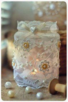 Get Creative with these 44 DIY Mason Jar Crafts Mason Jar Candles, Mason Jar Diy, Mason Jar Crafts, Diy Candles, Bottle Crafts, Lace Jars, Mason Jar Projects, Jar Art, Baby Food Jars