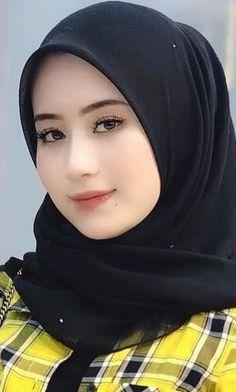 Pin Image by Hijabi Cantik Beautiful Muslim Women, Beautiful Hijab, Hijabi Girl, Girl Hijab, Beautiful Blonde Girl, Beautiful Girl Image, Beauty Full Girl, Beauty Women, Moslem
