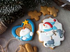 Decorated Snowman Cookies for Winter Christmas Biscuits, Christmas Sugar Cookies, Christmas Cupcakes, Holiday Cookies, Christmas Desserts, Christmas Treats, Christmas Baking, Merry Christmas, Fancy Cookies