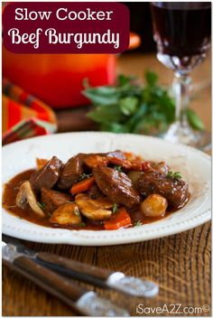 I can& get enough of these slow cooker recipes. The latest one that we tried is a Slow Cooker Beef Burgundy Recipe! It& tasty and easy to make! Easy Beef Bourguignon, Bourguignon Recipe, Slow Cooker Beef, Slow Cooker Recipes, Cooking Recipes, Broccoli Recipes, Rib Recipes, Copycat Recipes, Soup Recipes