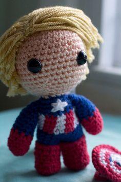 Captain America Avengers Amigurumi Plush Doll por PaperCuttlefish