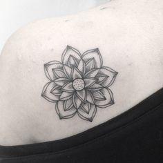 #danmochila #mandala #flower #dot #line #tattoomandala #lotus
