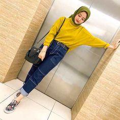 Stylish Hijab, Casual Hijab Outfit, Ootd Hijab, Hijab Chic, Casual Outfits, Street Hijab Fashion, Muslim Fashion, Modest Fashion, Fashion Outfits