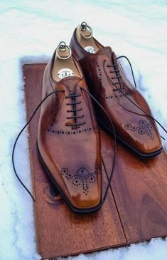 The Best Men's Shoes And Footwear : G Bespoke Formal Shoes, Casual Shoes, Men Casual, Men Dress, Dress Shoes, Gentleman Shoes, Gentleman Style, Fashion Shoes, Mens Fashion