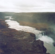 Iceland. Knickzone- Uplift along a fault over which a river is flowing will often result in an unusually steep reach along a channel. Glaciation resulting in a hanging valley are often prime spots for knickpoints. (wikipedia)
