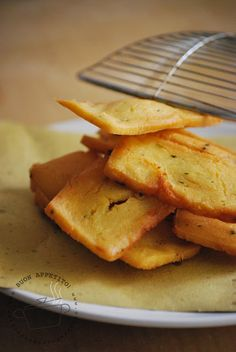 Panelle (#sicilian chickpea fritters). Just five ingredients: chickpea flour, water, salt, parsley and a pinch of #Sicily of course. Vegan, gluten free and with thousands of calories but wonderful with bread. To taste this joy at #Trapani have a look at www.bebtrapanilveliero.it