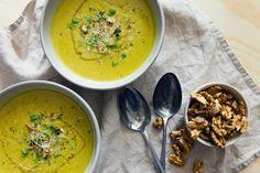 Pórková polévka - chřest, vlašské ořechy