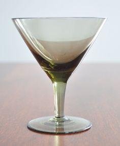 Verres à cocktail en verre fumé 4 par 3rvintages sur Etsy