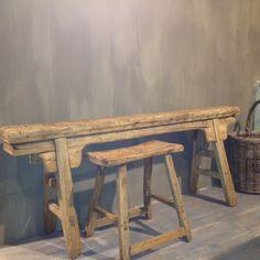 Mia Colore gepresenteerd bij Meubelpark de Bongerd in Kesteren. Bench Stool, Old Wood, Benches, Stools, Paint Colors, Entryway Tables, Pure Products, The Originals, Painting