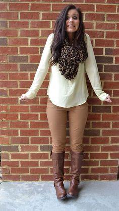 ¡Outfits con botas para usar de diario!