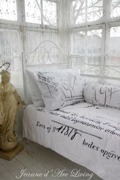 Shoddy trendy living room and sun parlor. Cottage design, or what is typically referred to as worn-out trendy,. Shabby Cottage, Shabby Chic Homes, Shabby Chic Style, Shabby Chic Decor, Cottage Chic, Vintage Decor, French Decor, French Country Decorating, Jeanne D'arc Living