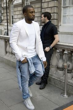 The incomparable Kanye West. Hate the ego behind his maniacal holier-than-thou rants, but I HAVE to admit, the man can dress... And he certainly has me taking note... Sometimes. MAISON MARTIN MARGIELA IN ALL CAPS!!!!!1!!!!!!!
