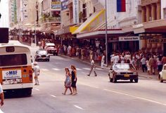 """Queen Street on the last day before it became """"The Mall"""" in 1982"""