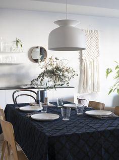 d a d a a.: Marimekko / Puetaan koti osa II. beautiful tablecloth and beautiful wall hanging