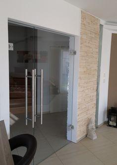 glast r flur glasschiebet r pinterest glast ren flure und glasschiebet ren. Black Bedroom Furniture Sets. Home Design Ideas