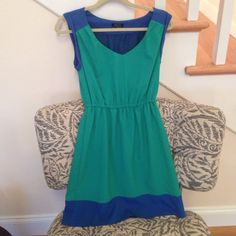 Green & Blue Mid Length Dress So cute! Boutique Bought...Worn Once.  Size Small. Im 5'5 and Dress Falls Right Above Knee. Part of Threading undone in Belt loop,  can easily be sewn back on or cut off altogether. Dresses Midi