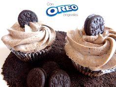 Ultra ricos cupcakes Receta: Cupcake y frosting de galletas Oreo -- Vídeo receta (Paso a paso)