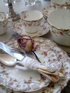 china and silver, by Jacqueline at Cabin & Cottage.......Just gorgeous!!!!!!!