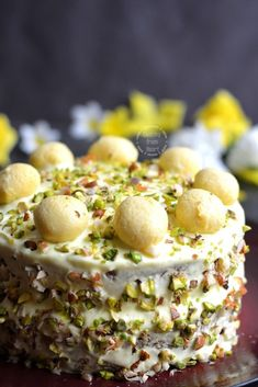 Step-wise picture recipe to make one of the most gorgeous and delicious Eggless Rasmalai Cake – an Indian fusion that's worth trying! Eggless Desserts, Eggless Baking, Indian Dessert Recipes, Indian Sweets, Pavlova, Rasmalai Cake Recipe, Kheer Recipe, Cheesecakes, How To Make Cake