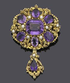 -An early century gold cannetille, amethyst and seed pearl brooch, circa 1825 The oval cluster of variously cut amethysts within a border of half-pearls and gold beadwork and bird motifs, terminating in a detachable similarly set drop, length 6 cm. Purple Jewelry, Amethyst Jewelry, Gemstone Jewelry, Victorian Jewelry, Antique Jewelry, Vintage Jewelry, Antique Brooches, Antique Earrings, Jewelry Art