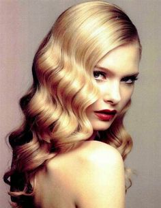 Finger Waving - 5 Of The Best Vintage Hairstyles. Read more: http://whatwomenloves.blogspot.com/2015/01/5-of-best-vintage-hairstyles.html