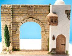 Monbelen: Entrada con ciprés -