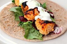 Salmon Tikka Wraps with Cucumber Raita bo sonisfood #Salmon #Indian