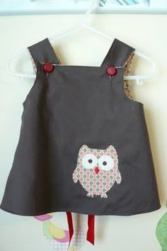 Sewing For Kids adorable pinafore with link to free pattern Sewing Patterns For Kids, Sewing Projects For Kids, Sewing For Kids, Baby Sewing, Clothing Patterns, Dress Patterns, Sewing Clothes, Diy Clothes, Diy Couture
