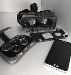 Samsung Gear VR shows up on the First Photo