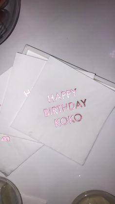 Khloé Kardashian Celebrates Her Birthday With a Lavish Pink-Themed Bash 25th Birthday Ideas For Her, 21st Birthday Checklist, 21st Bday Ideas, 25th Birthday Parties, 35th Birthday, Bunny Birthday, Happy Birthday, 21st Birthday Decorations, Pink Party Decorations