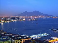 Travel Tuesdays: Naples, the capital city of the region Campania Places To Travel, Travel Destinations, Places To Go, Most Beautiful Cities, Wonderful Places, Napoli Italy, Cities In Italy, Turu, New City