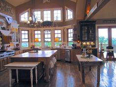 *sigh*  perfect kitchen   *sigh*