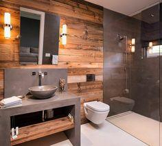 Olha que incrível esse banheiro com parede revestida de madeira e a bancada com efeito de cimento queimado. Fonte: Pinterest  #banheiro #bathroom #cimentoqueimado #wood #rustic #industrial