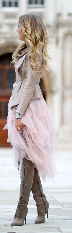 Tulle in the streets