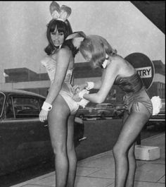 Vintage Photos Of Playboy Bunnies - When bunnies looked like real women :)