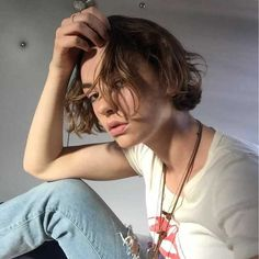 Post with 0 votes and 97 views. Brigette Lundy Paine, Casey Atypical, Pretty People, Beautiful People, Cool Attitude, Androgynous Hair, Look Winter, Attractive People, Camila Cabello